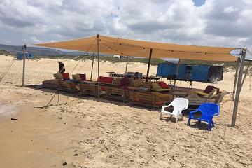אוהל להשכרה בים